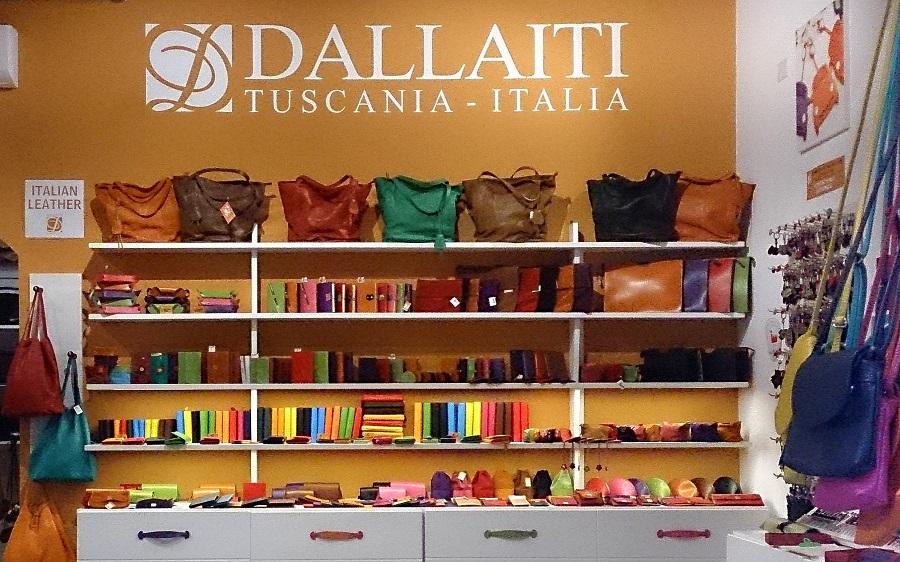 co warto przywieźć z Rzymu, jakie pamiątki warto przywieźć z Włoch, pamiątki z Włoch, prezenty z Włoch, zakupy w Rzymie