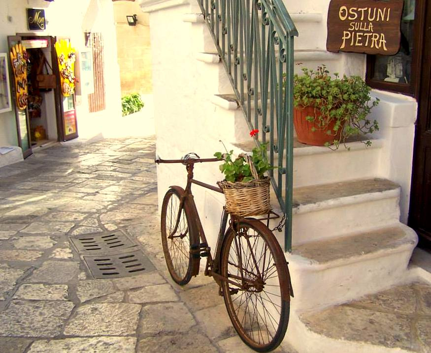 Ostuni, Ostuni noclegi, co zobaczyć w Ostuni, noclegi w Ostuni, Ostuni gdzie zjeść, Apulia, co zobaczyć w Apulii, Ostuni noclegi, zwiedzanie Apulii, Apulia co zwiedzić, Apulia zwiedzanie