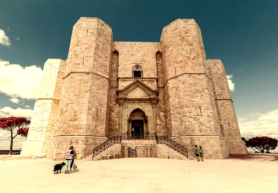 Castel del Monte, zamki Apulii, Apulia, zwiedzanie Apulii, Apulia co zwiedzić, Apulia zwiedzanie