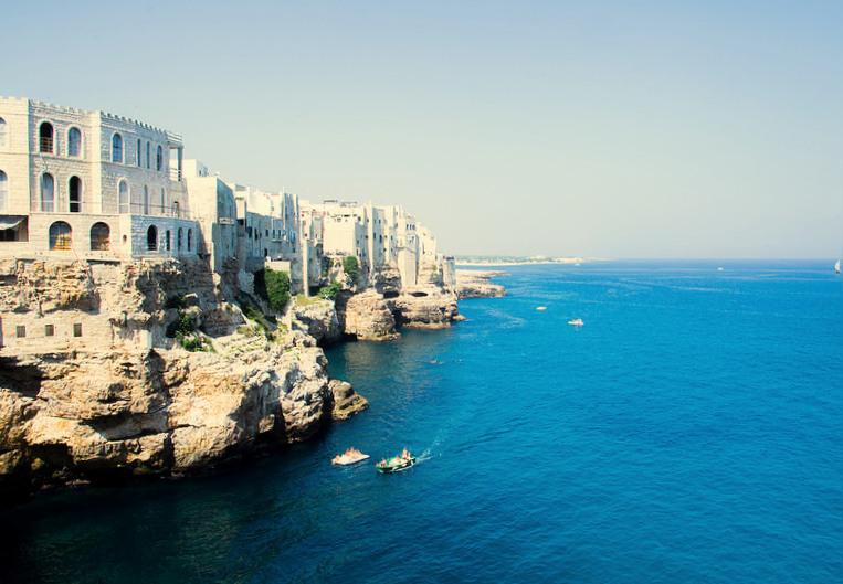 Polignano a Mare, Polignano a Mare noclegi, co zobaczyć w Polignano a Mare, noclegi w Polignano a Mare, Polignano a Mare gdzie zjeść, Apulia, co zobaczyć w Apulii, Polignano a Mare noclegi, zwiedzanie Apulii, Apulia co zwiedzić, Apulia zwiedzanie