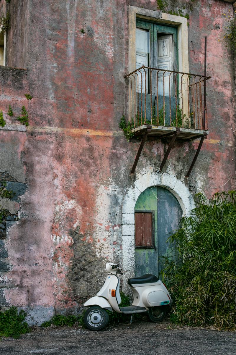vespa, prawdziwe Włochy, gdzie jechać do Włoch