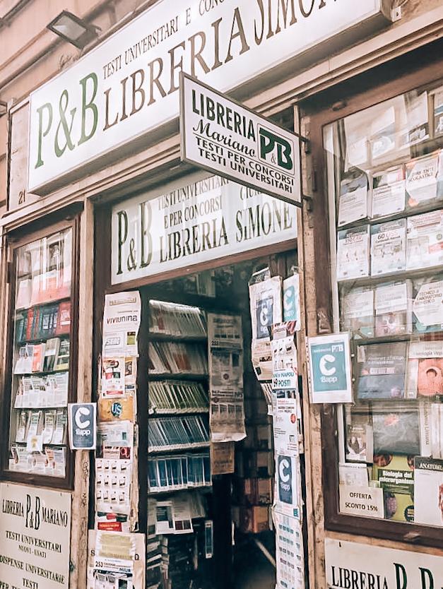 Księgarnia Lenu, Neapol, księgarnia w Neapolu, książki o Neapolu, Neapol śladami genialnej przyjaciółki