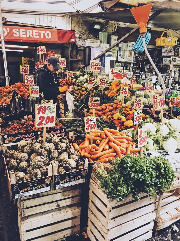 Neapol, gdzie zjeść pizzę w Neapolu, cytryny z Kampanii, co zjeść w Neapolu, gdzie iść na targ w Neapolu, targowiska w Neapolu, włoski targ, targowiska we Włoszech, włoski rynek, mercato, targowiska w Neapolu
