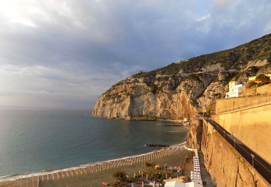 Meta di Sorrento, plaża w Meta di Sorrento, plaża Wybrzeże Amalfi, Wybrzeże Amalfi