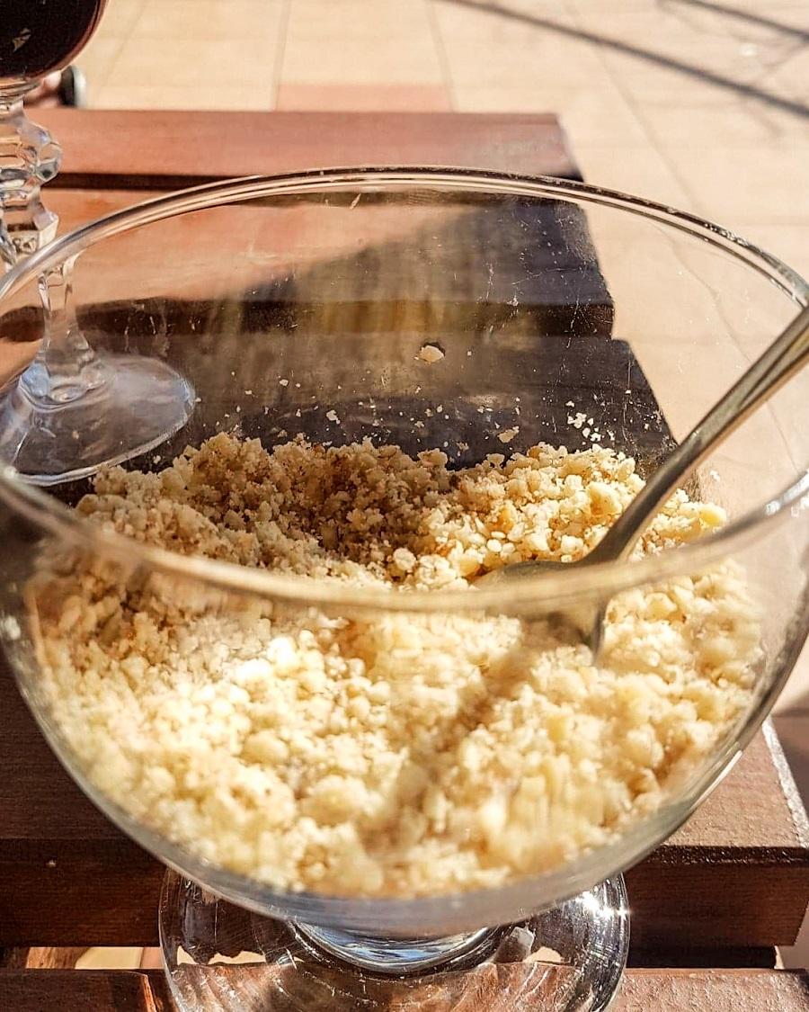 orzechowy parmezan, zamienniki parmezanu, wegański parmezan