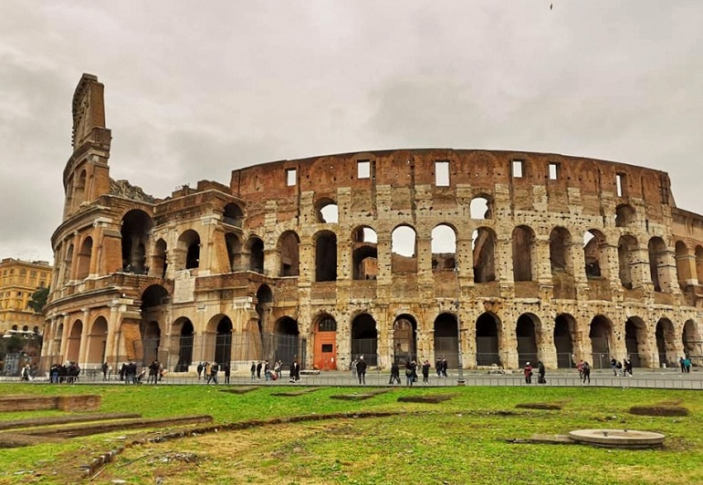 Koloseum, zwiedzanie Koloseum, gdzie kupić bilety do Koloseum, bilety do Koloseum