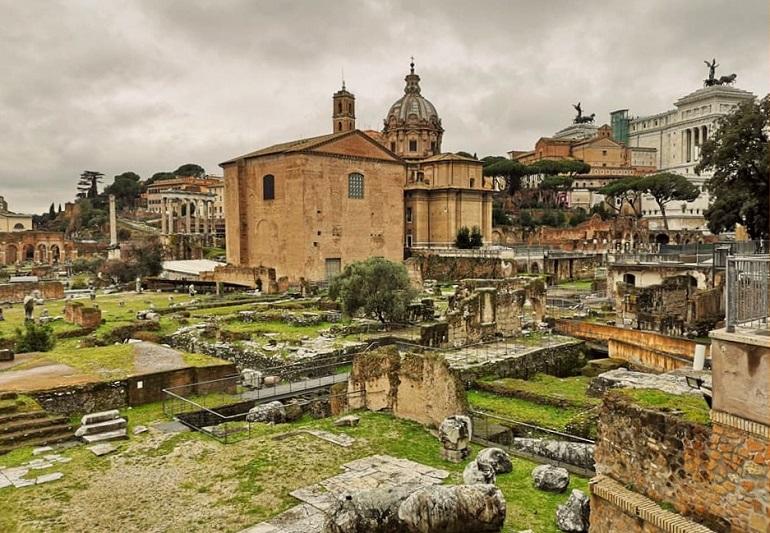 Forum Romanum, zwiedzanie Forum Romanum, gdzie kupić bilety do Koloseum, bilety na Forum Romanum, zwiedzanie Rzymu, Rzym