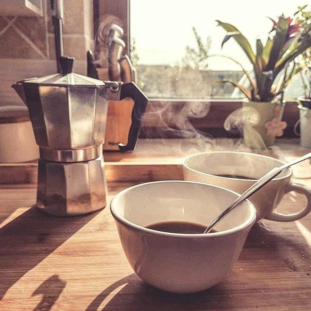 kawiarka, kawa we dwoje, poranna kawa