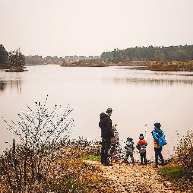 tata czwórki, Pojezierze Brodnickie, Jezioro Nielbark, czwórka dzieci, podróże z dziećmi